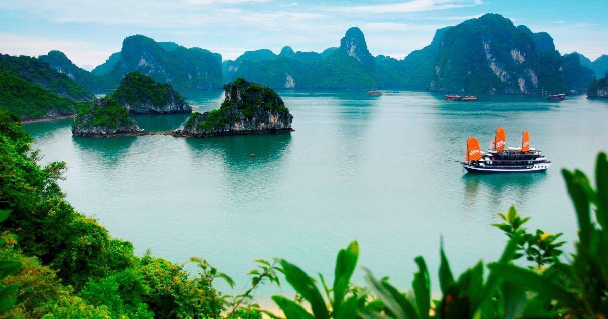 Гарантований груповий тур по трьом країнам Південно-Східної Азії: В'єтнам + Лаос + Камбоджа