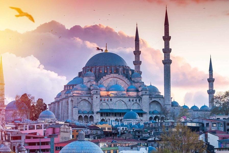 Стамбул на 8 березня
