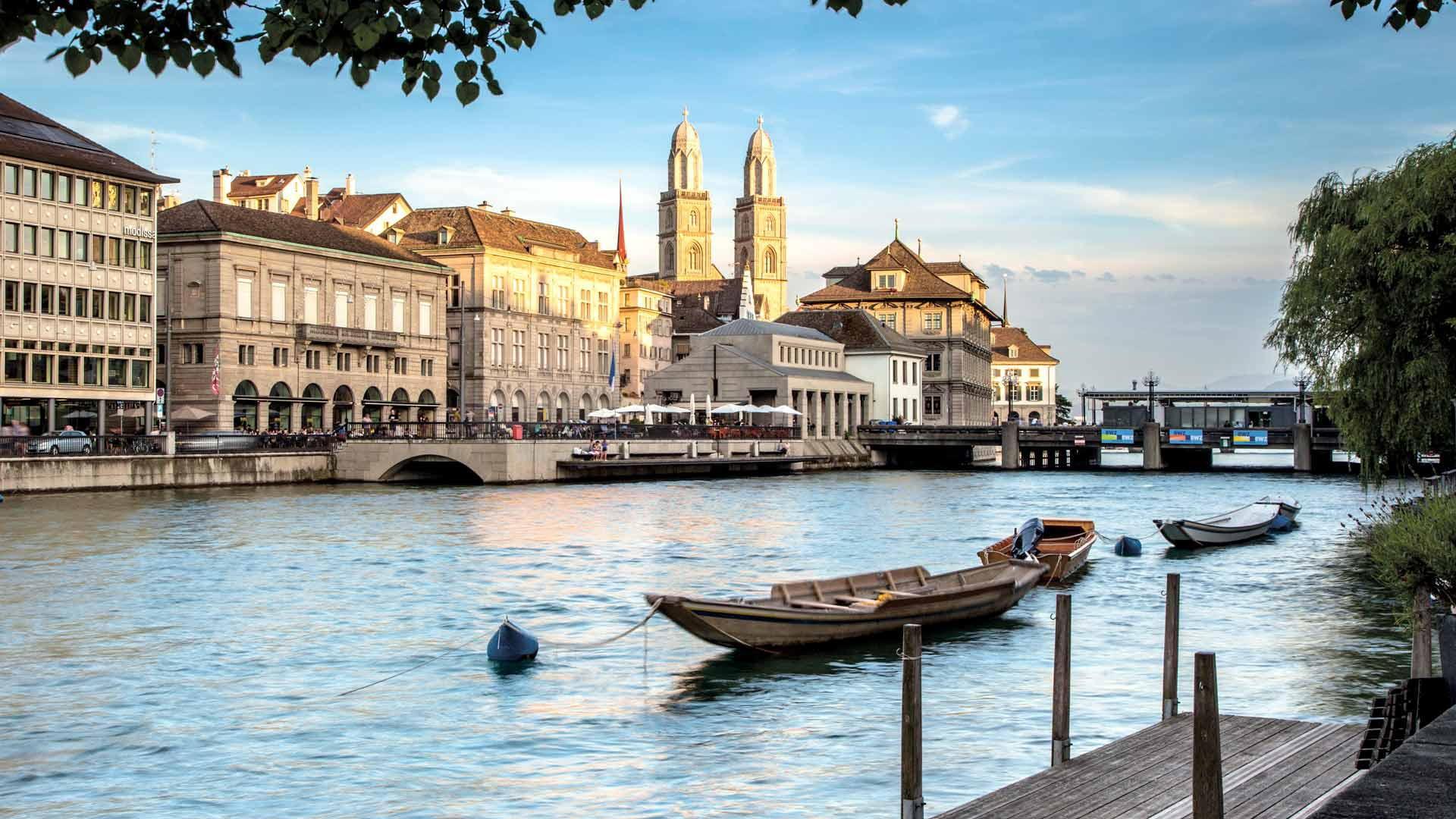 ЇЇ звати Швейцарія . Цюрих, Зальцбург, замок Нойшванштайн, Мюнхен. До дня 8 березня